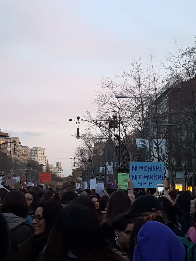 protest on women's day in Barcelona